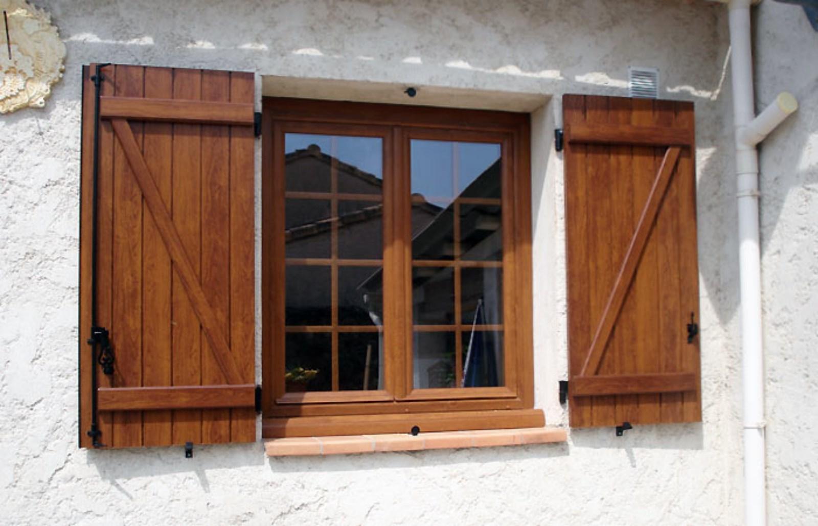 Installation d 39 une fen tre pvc 2 vantaux couleur faux bois Fenetre pvc imitation bois